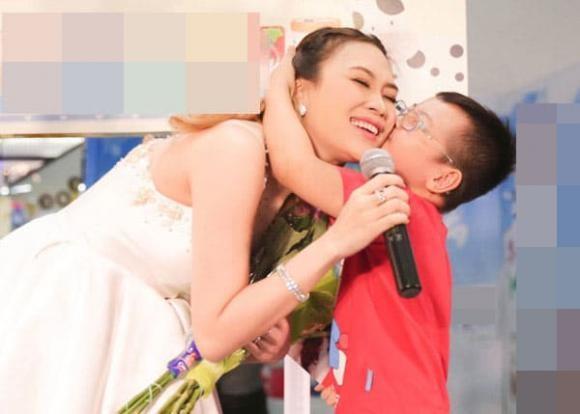 Nguoi dan ong lam hanh dong nhay cam len anh My Tam-Hinh-4