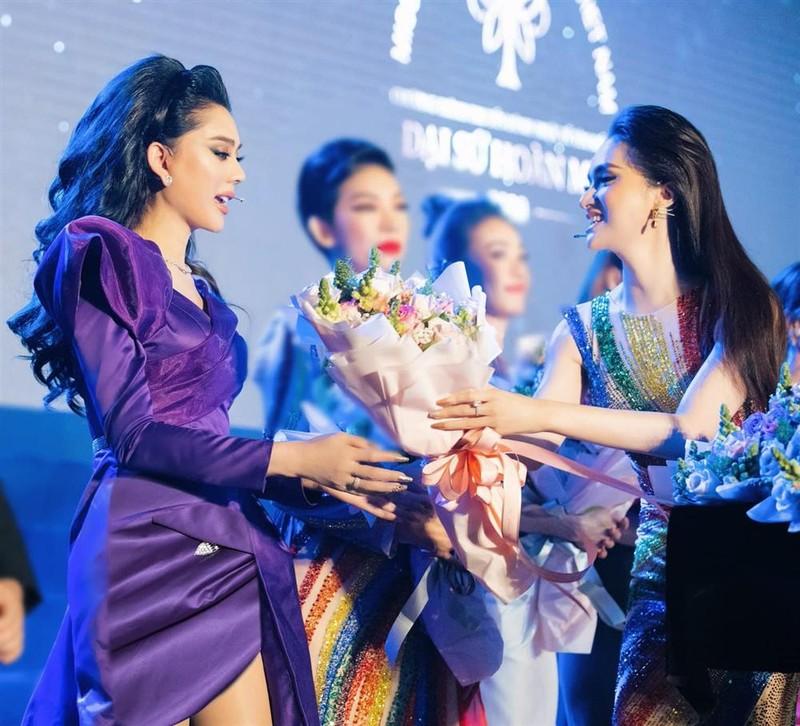 Huong Giang tang hoa Lam Khanh Chi-Hinh-2