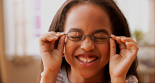 Thực hư thuốc nhỏ mắt chữa cận thị hiệu quả? - Ảnh 3.