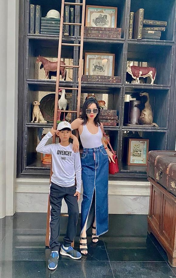 Con trai Le Quyen moi 9 tuoi da danh golf cuc chuyen nghiep-Hinh-2