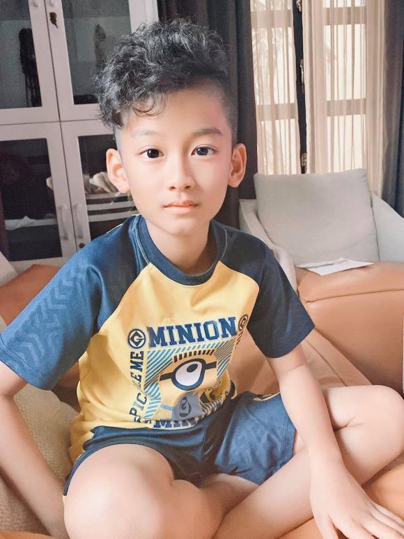 Con trai Le Quyen moi 9 tuoi da danh golf cuc chuyen nghiep-Hinh-3