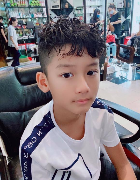 Con trai Le Quyen moi 9 tuoi da danh golf cuc chuyen nghiep-Hinh-4