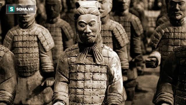 Tai sao tuong binh ma trong lang Tan Thuy Hoang co mat mot mi?