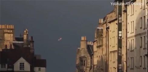 UFO xuat hien tren bau troi Phap