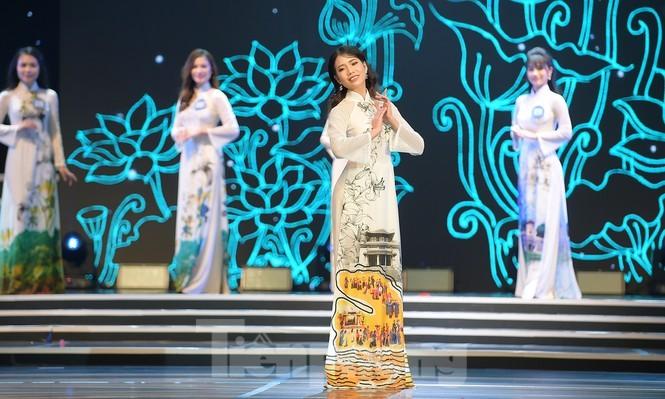 Nu sinh DH Nam Can Tho dang quang Hoa khoi Sinh vien Viet Nam-Hinh-4
