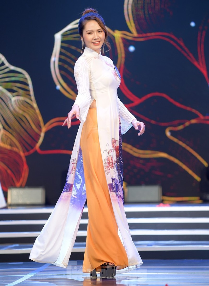 Nu sinh DH Nam Can Tho dang quang Hoa khoi Sinh vien Viet Nam-Hinh-6