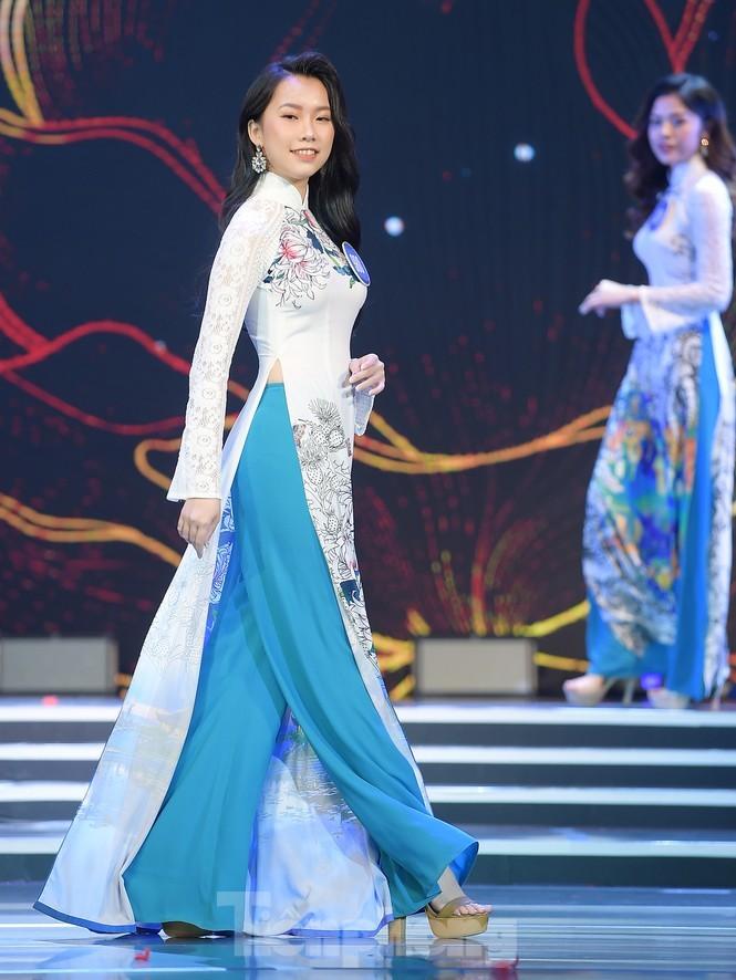 Nu sinh DH Nam Can Tho dang quang Hoa khoi Sinh vien Viet Nam-Hinh-7
