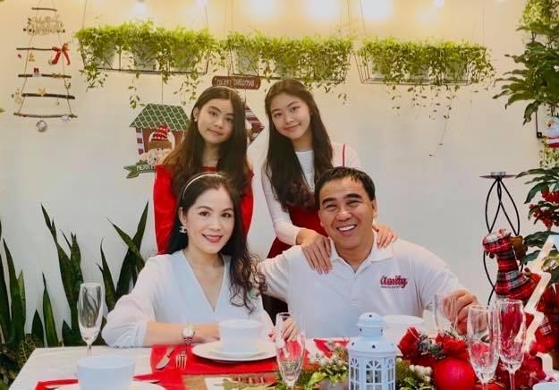 Quyen Linh bat ngo bi dan mang hoi chuyen sinh con thu 3