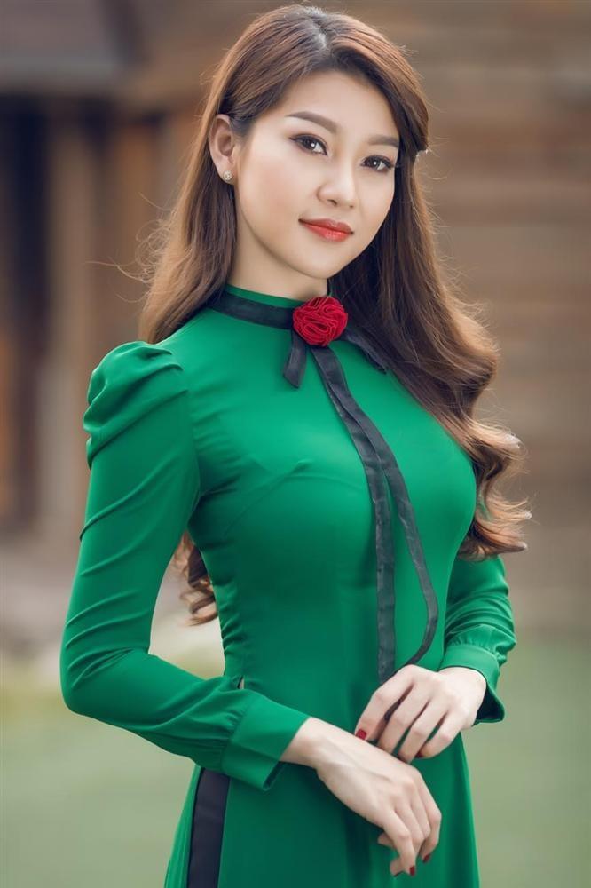 Truong Bao Nhu len an nam ca si phu bac va tra xanh tro tren-Hinh-2