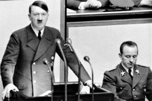 Trum phat xit Hitler da dung ke dong the de chet thay nhu nao?