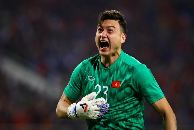 V.League 2021: FIFA dong y cho Van Lam toi Cerezo Osaka