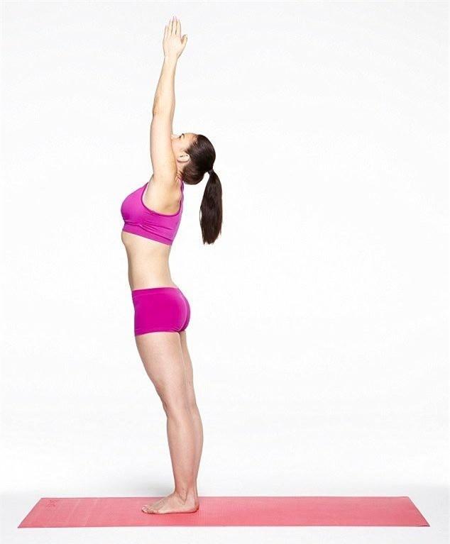 Mach ban 10 buoc tap Yoga giup bung phang-Hinh-10