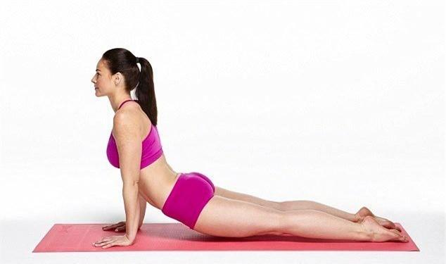 Mach ban 10 buoc tap Yoga giup bung phang-Hinh-7