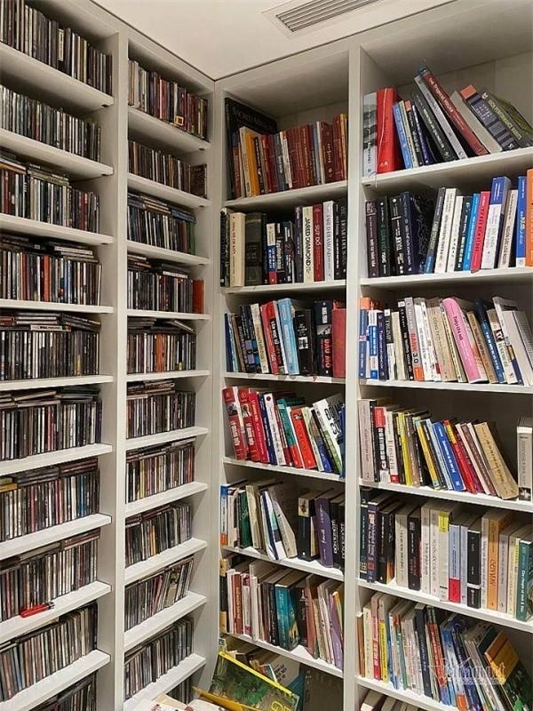 Căn hộ của Tùng Dương: Không quái như nhiều người vẫn tưởng, đáng giá nhất là bộ sưu tập sách và CD đồ sộ - Ảnh 12.
