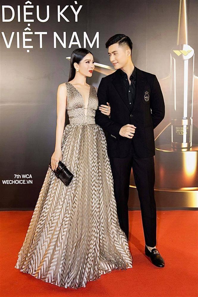 Lam Bao Chau bi nhac ban tay hu khi ngoi canh Le Quyen-Hinh-3