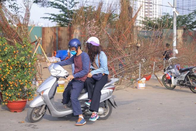 Quat, dao sale sap san van vang bong nguoi mua-Hinh-4