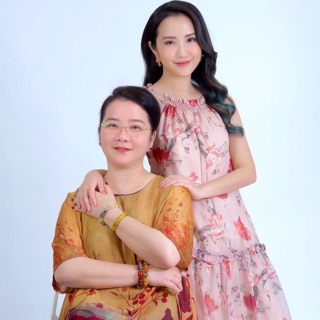Phan Thanh khoe anh tinh tu ben Primmy Truong-Hinh-4