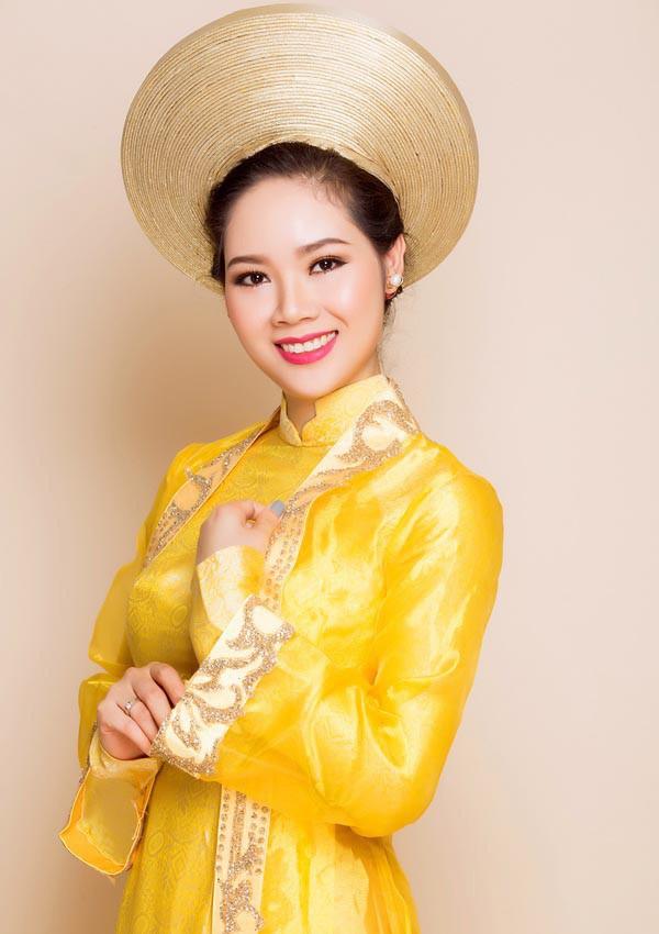 Chan dung co Hoa hau tuoi Suu bo lai hao quang showbiz-Hinh-3