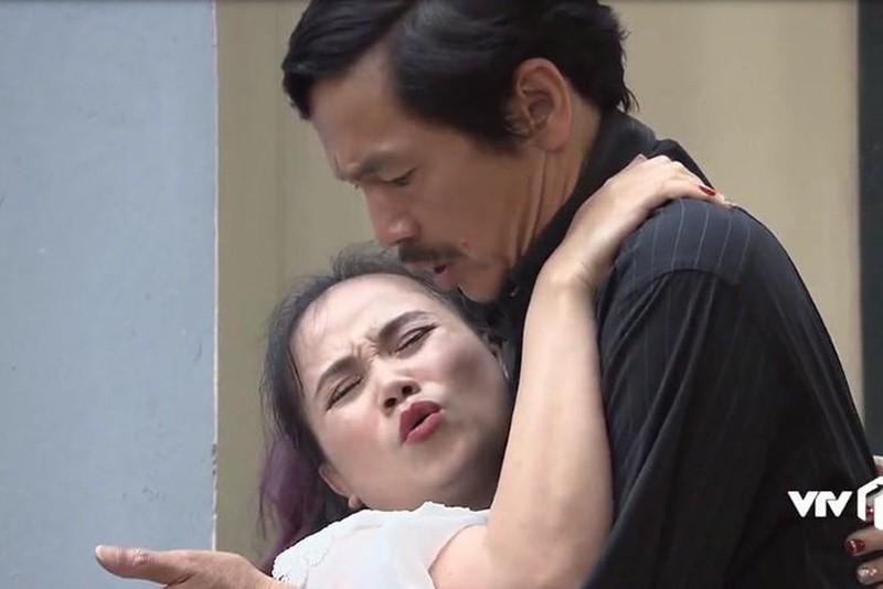 'Co Xuyen' Hoang Yen 4 lan dut ganh ngoai doi-Hinh-4