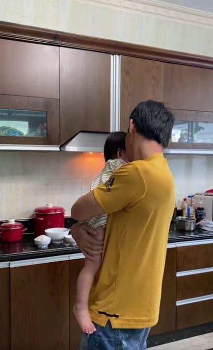 Quach Ngoc Ngoan khoe con gai cung lon phong phao va dang yeu-Hinh-3