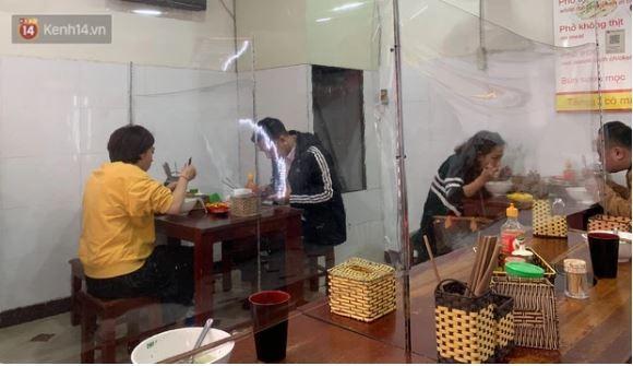 Cong ty o Hai Duong lay bia carton ngan chan COVID-19-Hinh-3