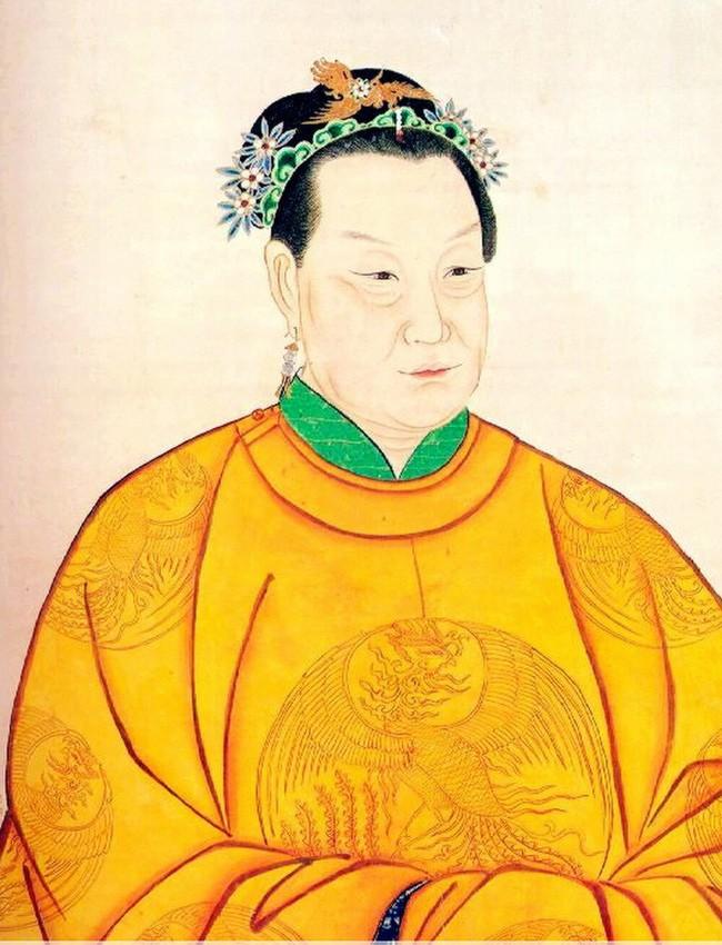 Vi sao Chu Nguyen Chuong chi sung ai nguoi vo chan to?-Hinh-2