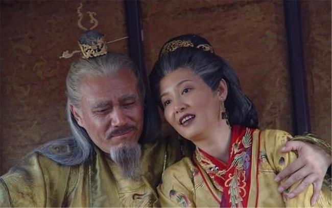Vi sao Chu Nguyen Chuong chi sung ai nguoi vo chan to?-Hinh-5