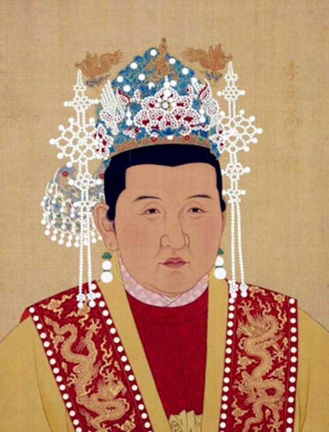 Vi sao Chu Nguyen Chuong chi sung ai nguoi vo chan to?