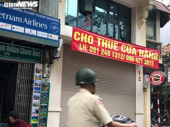 Hang quan pho co Ha Noi nghi Tet keo dai-Hinh-3