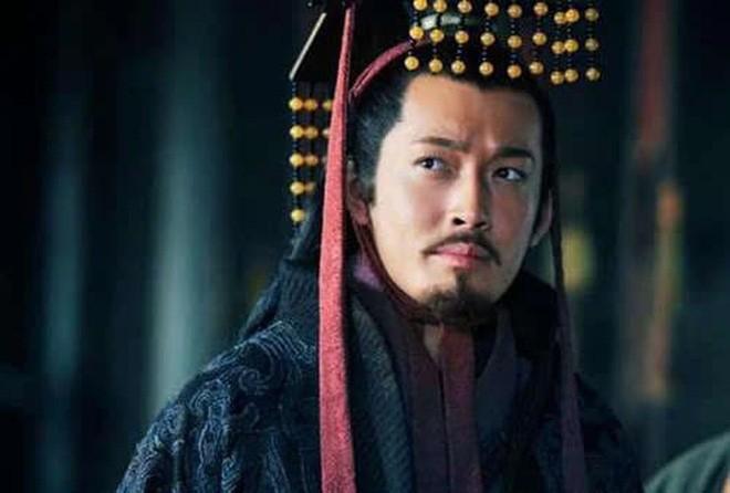 Tai sao Ton Quyen khong truy phong Ton Sach lam hoang de?-Hinh-2