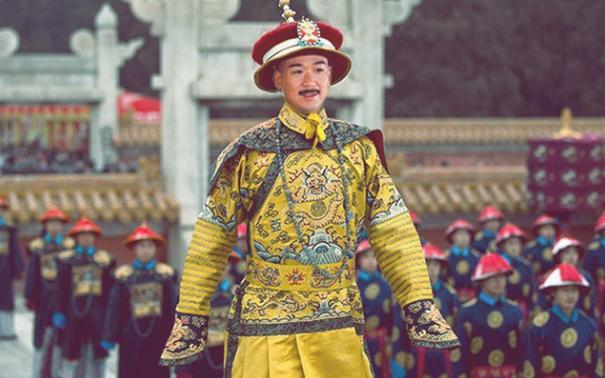 Vi sao Hoang de bang ha phai den vai nam sau moi duoc chon cat?