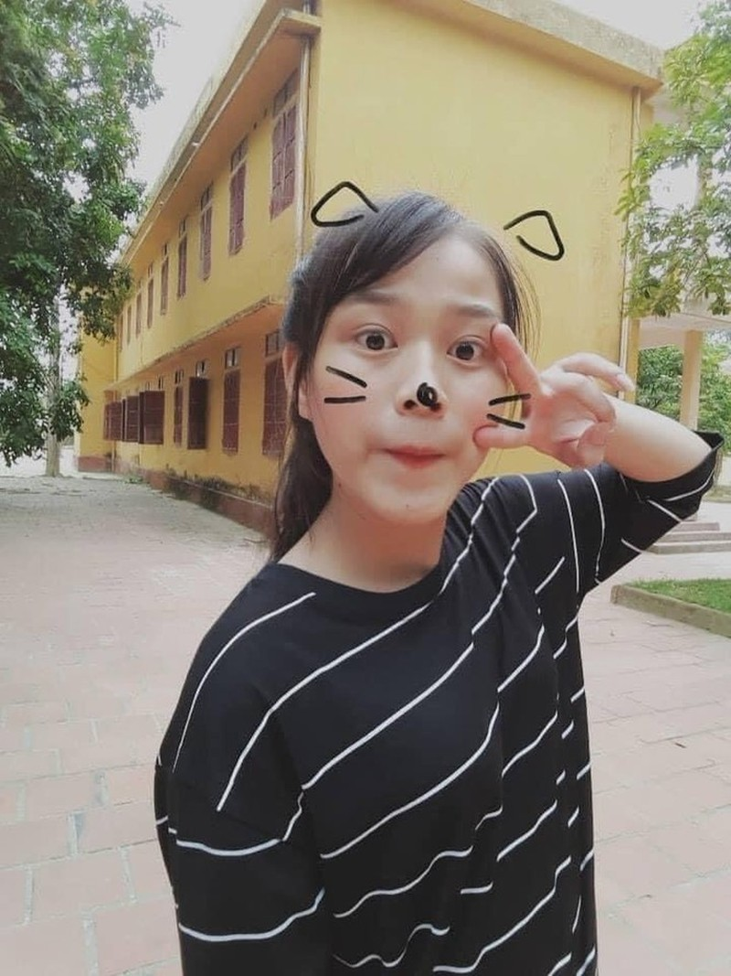 Loat anh thoi hoc sinh cuc de thuong cua Hoa hau Do Thi Ha-Hinh-10