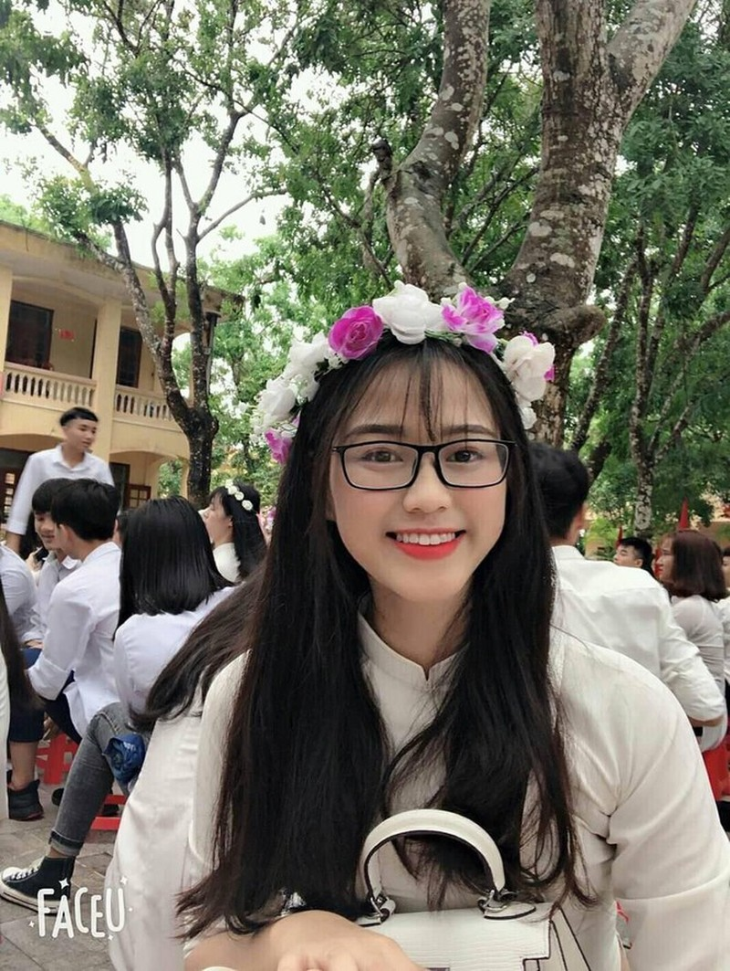 Loat anh thoi hoc sinh cuc de thuong cua Hoa hau Do Thi Ha-Hinh-4