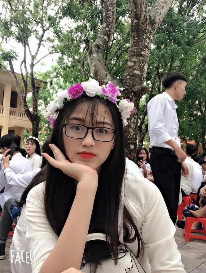 Loat anh thoi hoc sinh cuc de thuong cua Hoa hau Do Thi Ha-Hinh-6
