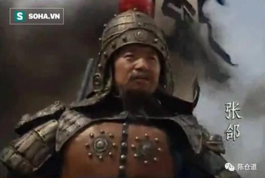 Tai sao khi tru khu duoc Truong Cap, Gia Cat Luong lap tuc hoi han?