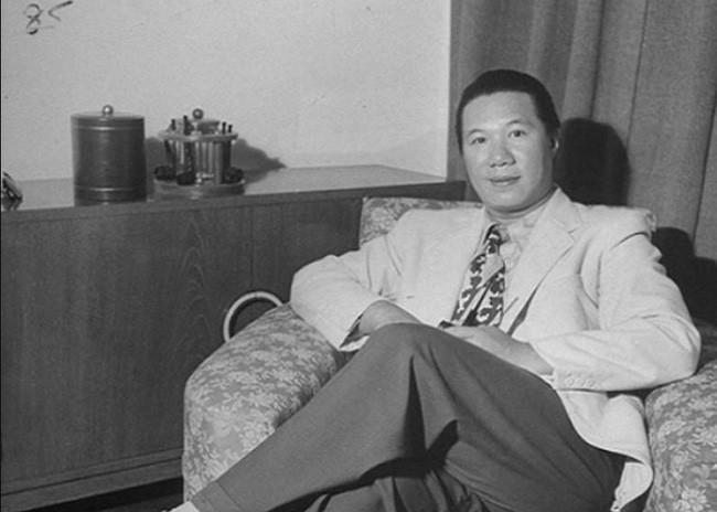 Tai sao Hoang de Bao Dai chi thich mang ba Mong Diep di san thu?