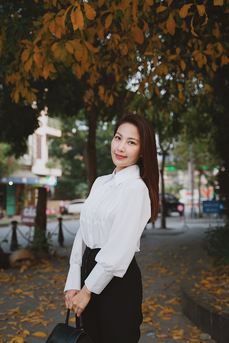 BTV Quynh Hoa noi ly do phai dung dan thoi tiet-Hinh-4