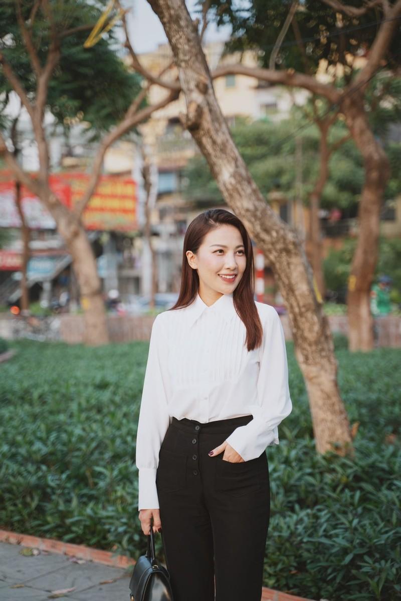 BTV Quynh Hoa noi ly do phai dung dan thoi tiet-Hinh-6