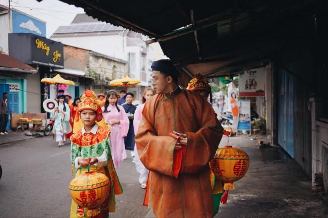 Cap doi mac co phuc trieu Nguyen trong ngay cuoi gay an tuong-Hinh-7