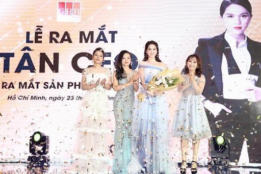 Doanh nghiep do Ngoc Trinh lam CEO lam an ra sao?