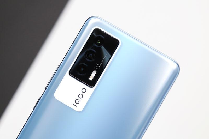 Can canh Vivo iQOO Neo5 5G: Cau hinh 'khung', man hinh 120Hz, sac sieu toc-Hinh-10