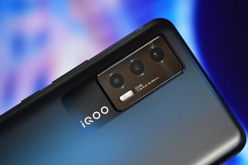 Can canh Vivo iQOO Neo5 5G: Cau hinh 'khung', man hinh 120Hz, sac sieu toc-Hinh-11