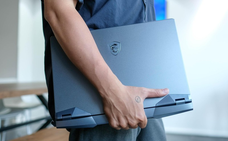 Co gi trong mau laptop gaming cao cap GE66 Raider 10UG-Hinh-3