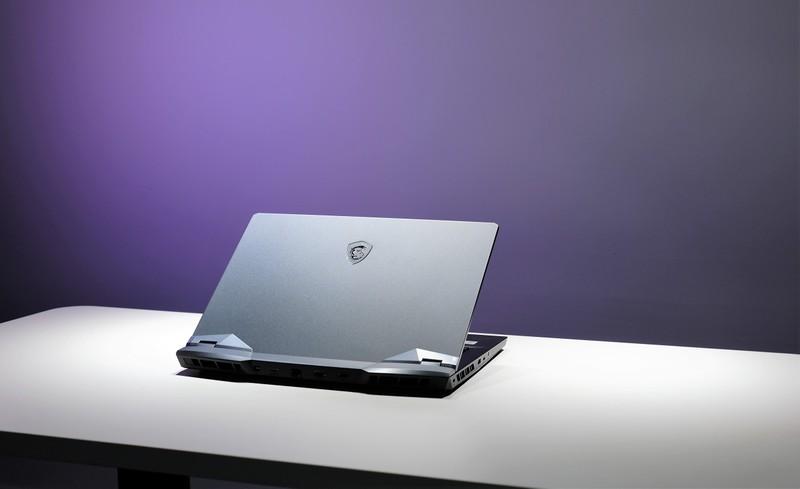 Co gi trong mau laptop gaming cao cap GE66 Raider 10UG