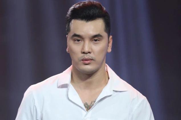 Ung Hoang Phuc tiet lo tung phai nhieu lan dung ca hat de chua benh
