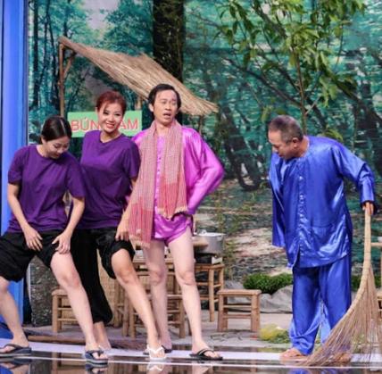 Choang voi doi chan nuot na hon ca sieu mau cua NS Hoai Linh