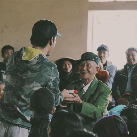 MC Phan Anh gay chu y voi ngoai hinh la lam