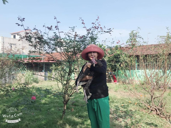 NSND Minh Hang: Tai hoa hiem gap nhung duong chong con lai khong may man-Hinh-5