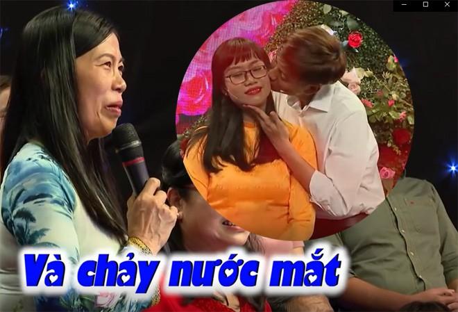 Anh chang quan quyt om ban gai khien ong mai ba moi phai bam nut ho-Hinh-8