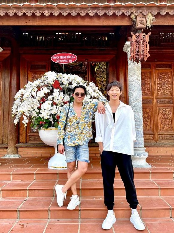 Den nha tho to cua Hoai Linh, Tran Thanh khien cu dan mang cuoi bo-Hinh-2